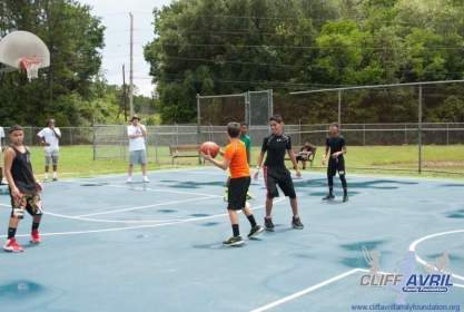 Cliff_Avril_Family_Fun_Day101
