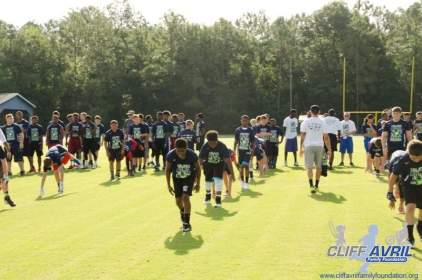 Cliff_Avril_Football_Camp_02