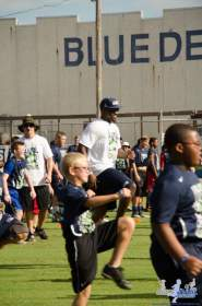 Cliff_Avril_Football_Camp_04