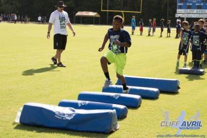 Cliff_Avril_Football_Camp_19