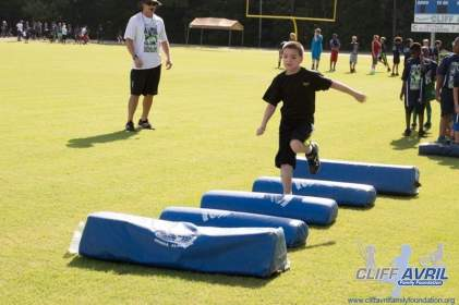 Cliff_Avril_Football_Camp_21