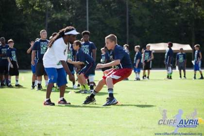 Cliff_Avril_Football_Camp_35