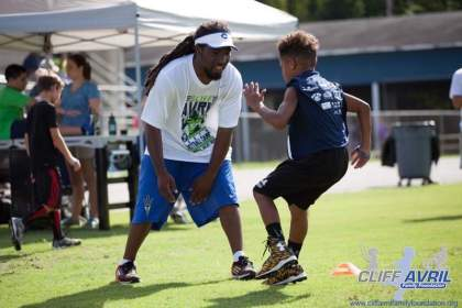 Cliff_Avril_Football_Camp_42