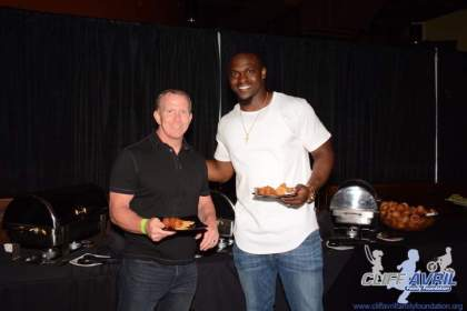 Cliff_Avril_Sponsor_Appreciation_28