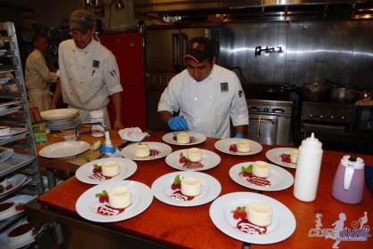 2015_Dining_to_Make_a_Difference_92