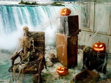 Niagara Falls Halloween