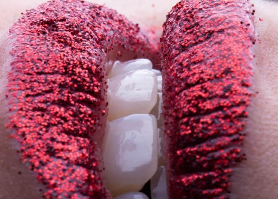 Como manter os dentes saudáveis com o aumento de doces e guloseimas no Natal? 🤔😃❄🎅