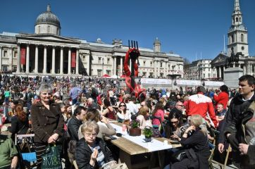 1366500623-st-georges-day-celebrations-in-trafalgar-square_1977499