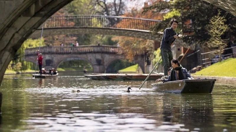 Cambridge Punting Day Trips from London Clink Hostels