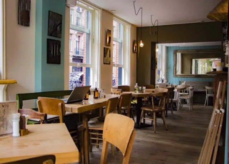Drover-dog Restaurant | Local Restaurants in Amsterdam | Clink Hostels