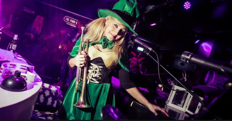 Piano works St. Patricks Day in London Clink Hostels