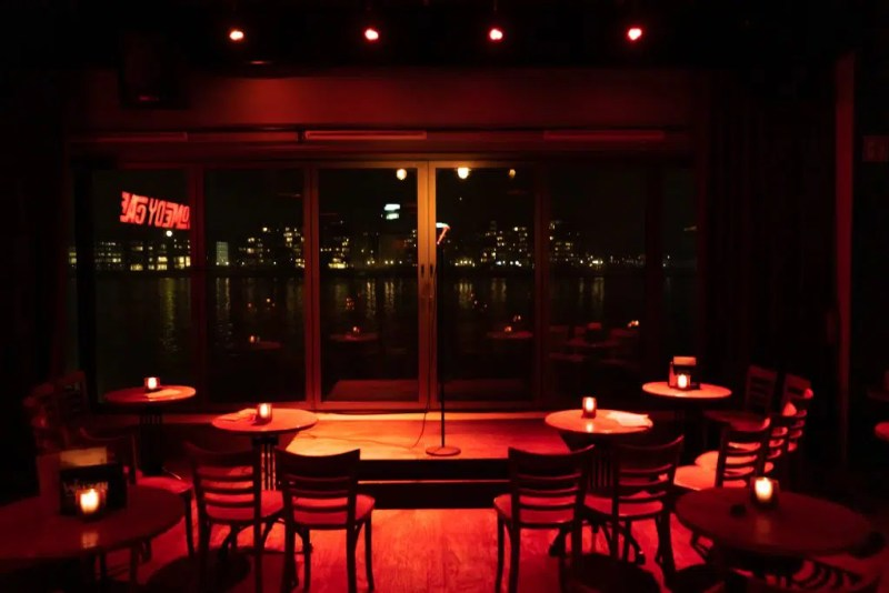 Comedy Cafe Amsterdam | English Comedy in Amsterdam | Clink Hostels