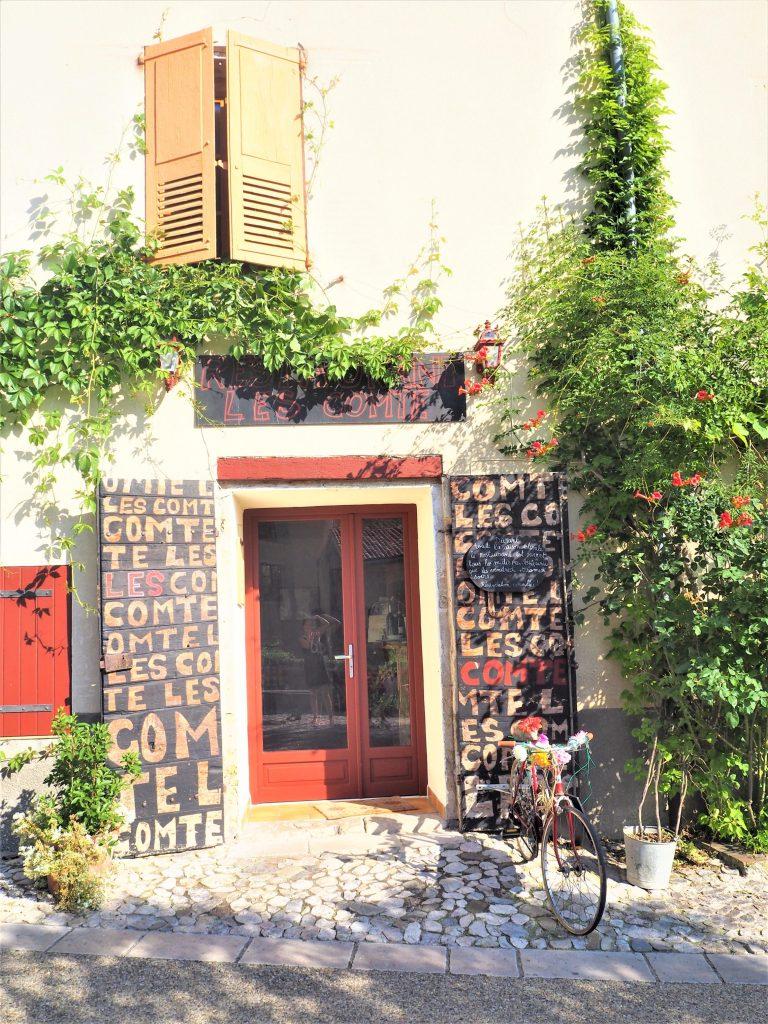 Devanture de magasin Moustiers-Sainte-Marie village dans le Parc Naturel Régional du Verdon