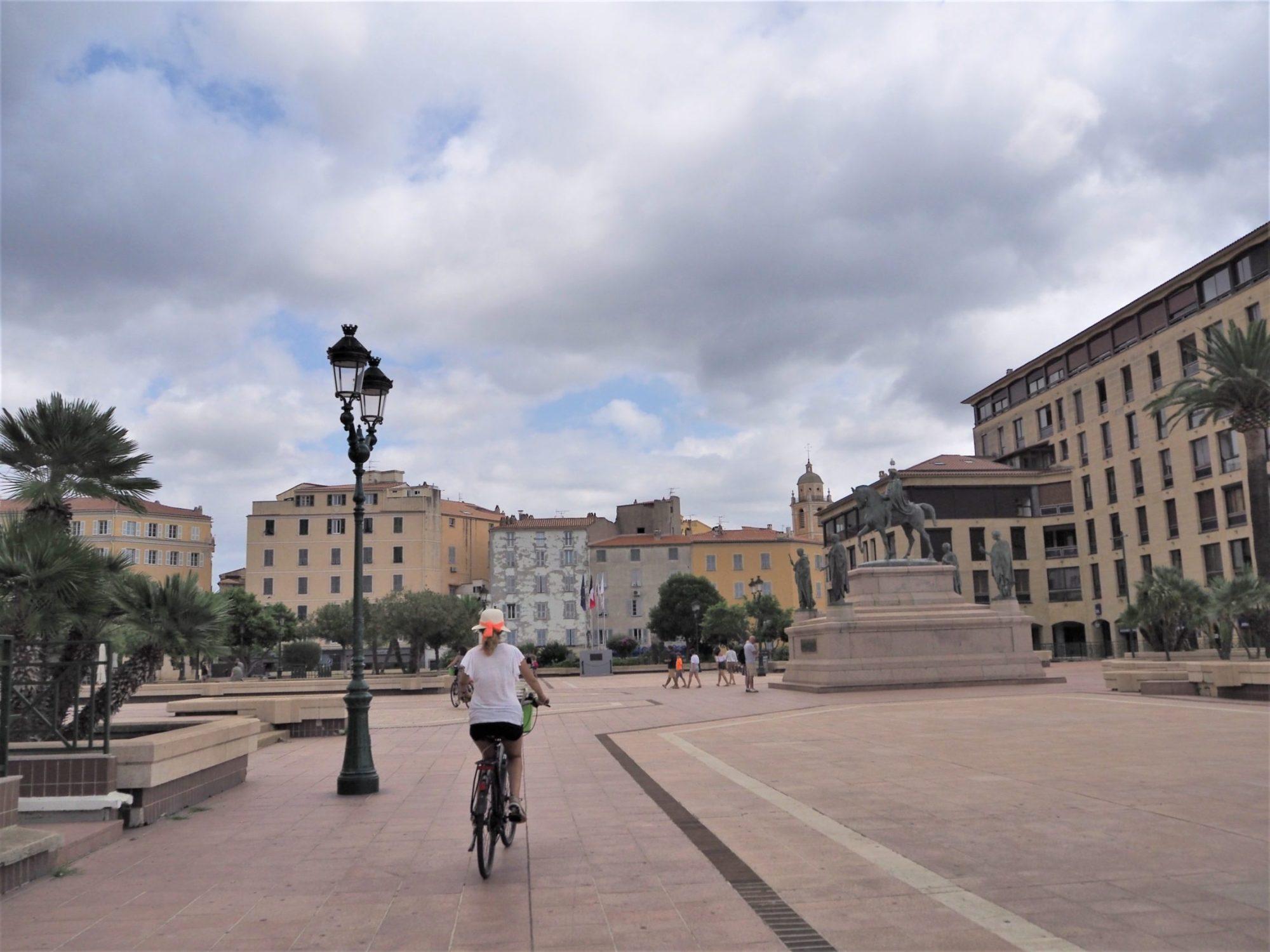 Corse, place du Diamant. Visite en vélo avec AppeBike sur Ajaccio