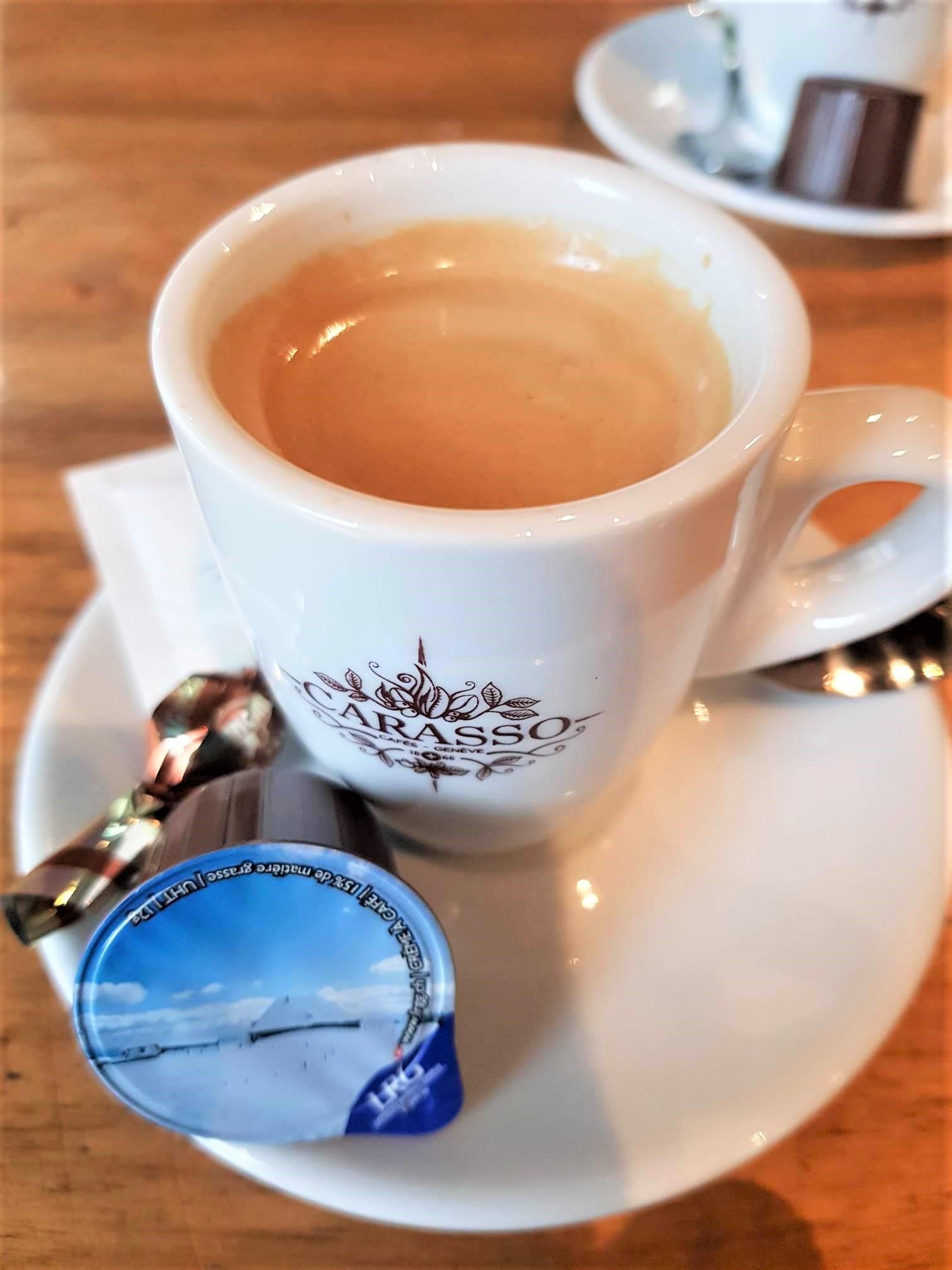 café-creme-suisse-genève-clioandco-blog-voyage-les-différences-france-suisse