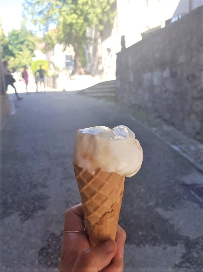 Guyères-suisse-glace-à-la-double-creme