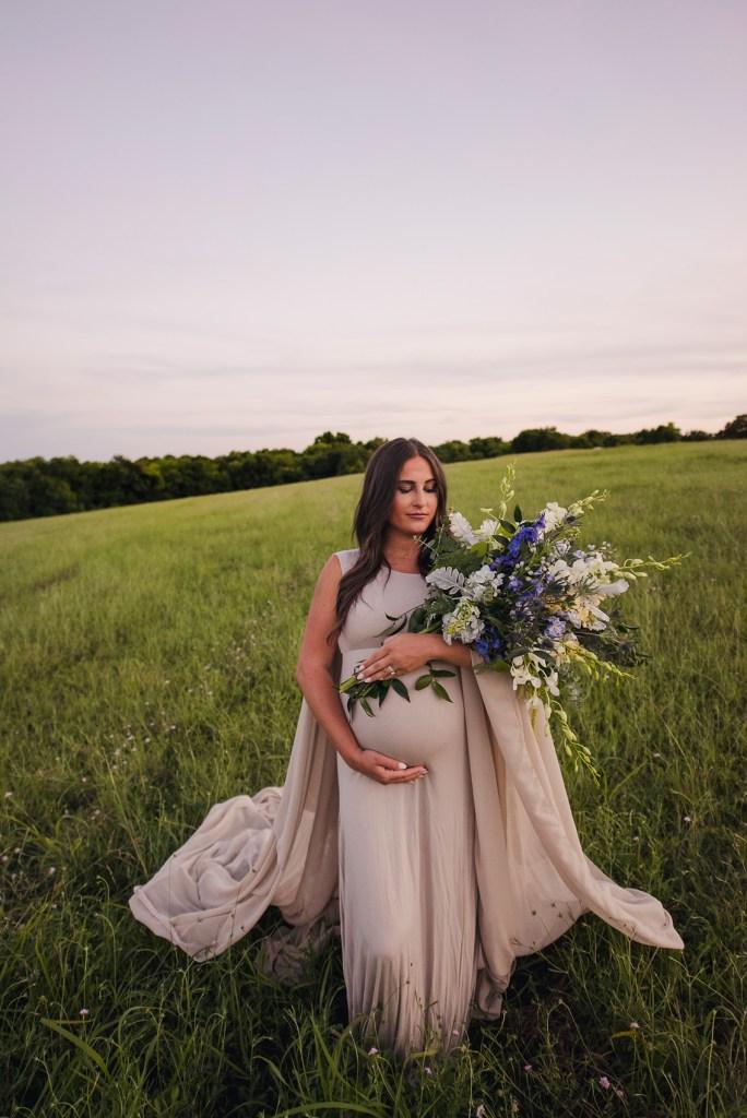 pregnancy photo shoot, pregnancy photographer near frisco tx Newborn photographer Frisco CLJ Photography