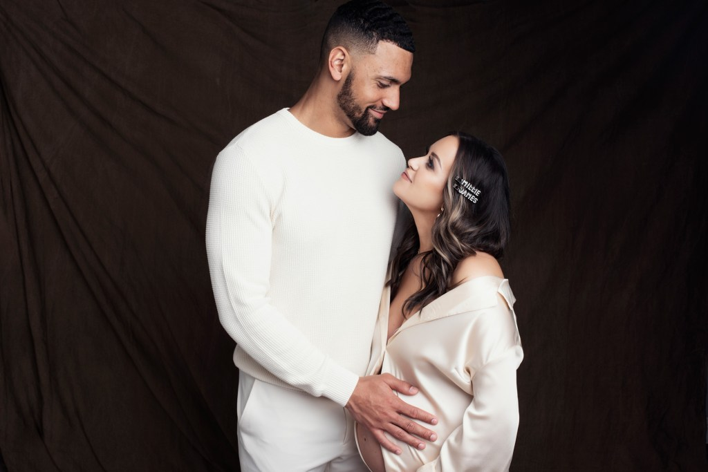 Dallas Cowboys, Jameill Showers, Pregnancy Nude Photo Shoot, The Babymoon Photographer, Dallas Maternity Photographer