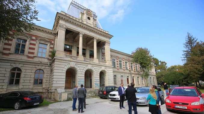 Clădirea prefecturii din Călărași intră în reabilitare. FOTO CJC
