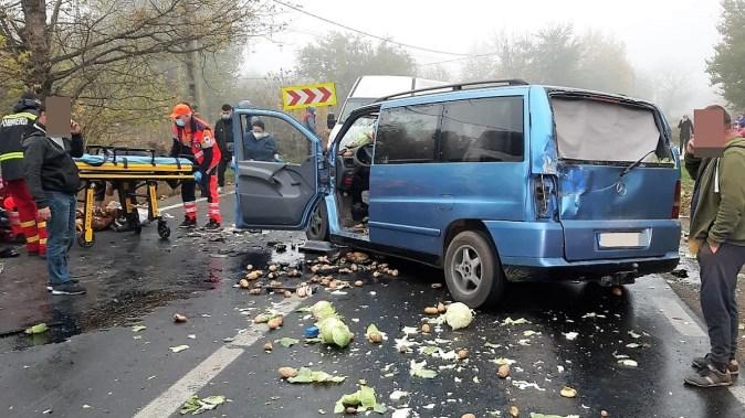 Trei persoane rănite într-un accident de circulație petrecut în localitatea călărășeană Ștefănești. FOTO DRDP Constanța