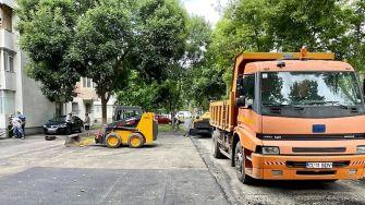 Primarul Marius Dulce a verificat stadiul lucrărilor la Parcul Florilor și la parcările de pe strada Sulfinei