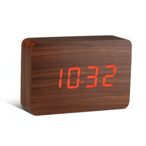 click-clock-brick-walnoot-met-rode-led