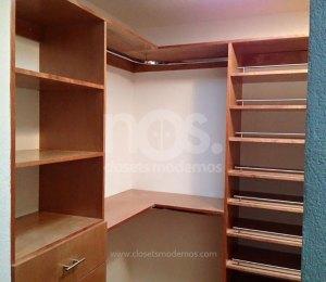 Vestidores modernos de madera gu a de dise o para tu for Closet de madera para dormitorios pequenos