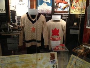 TEAM CANADA   LEFT 1932  RIGHT 1928