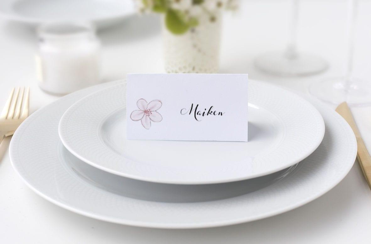 Bordkort konfirmation blomst lyserød