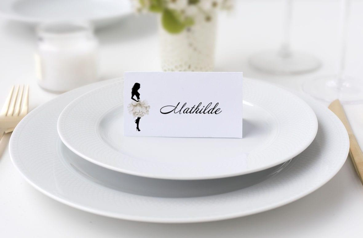 Bordkort konfirmation silhuette hvidt skørt