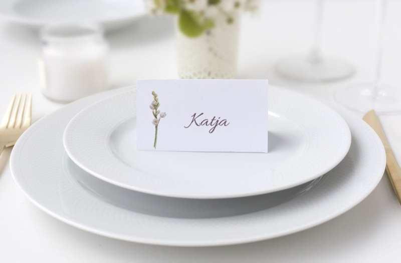 Bordkort konfirmation lilla blomst