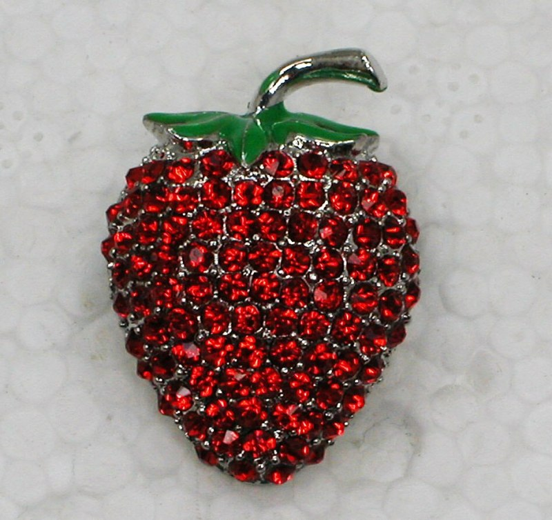 12pcs/lot Wholesale Fashion Brooch Rhinestone Enamel Small Strawberry Pin brooches CLOVER JEWELLERY