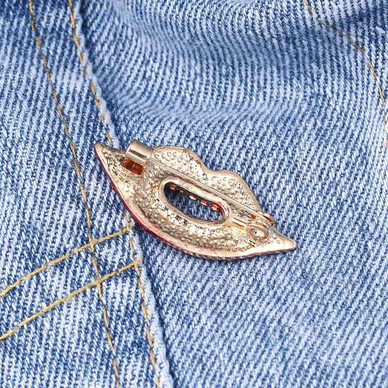 Girl's Favors Lips / High Heel / Eye / Dancing Girl Fashion Brooch Pins CLOVER JEWELLERY