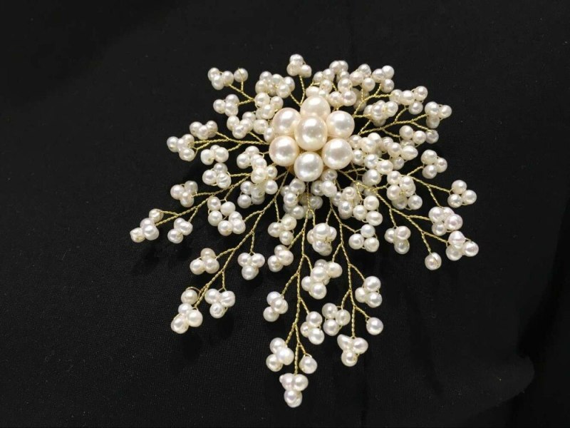4 inch 18kgp 4mm white freshwater pearl bead leaf and flower shape Brooch CLOVER JEWELLERY