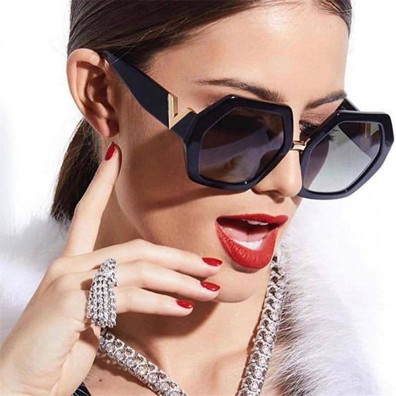 Square Sunglasses Ladies Fashion Glasses Classic Brand Designer Retro Sun Glasses Women Sexy Eyewear CLOVER JEWELLERY