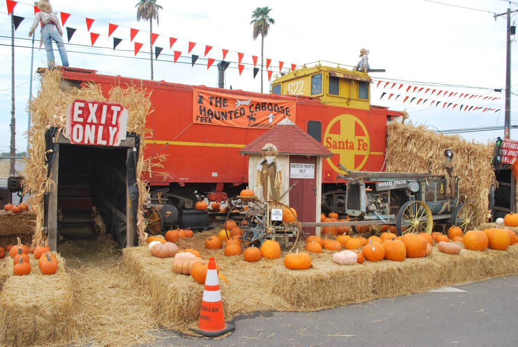 Simonian Farms Offers Family Oriented Halloween Fun With Hayrides A Pumpkin Patch And Corn Maze Clovis Roundup