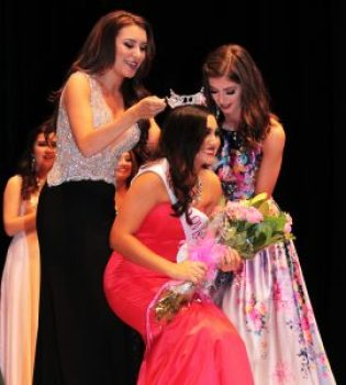 Photos by Ron Sundquist Elise Barco is crowned Miss Clovis 2016 on Saturday, Feb. 13.