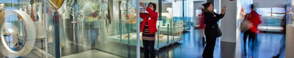 Corning museum visitor phone