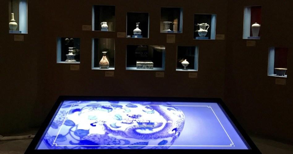 """Résultat de recherche d'images pour """"Fleur de Papier: deux dispositifs numérique pour l'exposition """"La Cité interdite à Monaco"""" au Grimaldi Forum"""""""