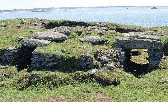 le-site-megalithique-de-l-ile-guenioc-est-l-un-des-plus_3578571_540x328p
