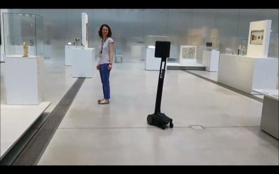 louvre lens robot uby