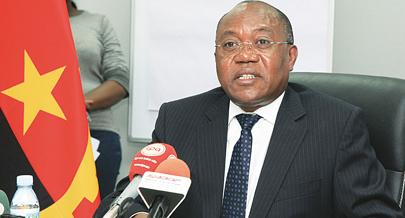 Ministro desentende-se com chefe da secreta
