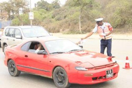 Agentes da Polícia acusado de roubo de 100 mil Kwanzas de turista na Ilha de Luanda