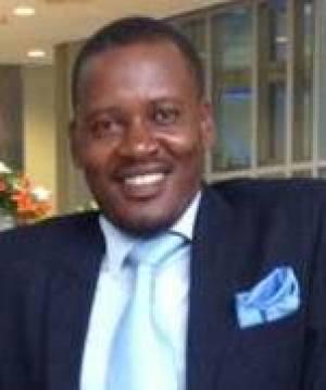 """A grandeza de jonas savimbi é mesmo """"grande"""" - Victor Hugo Ngongo"""