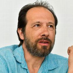 Auteur : Olivier Bordaçarre