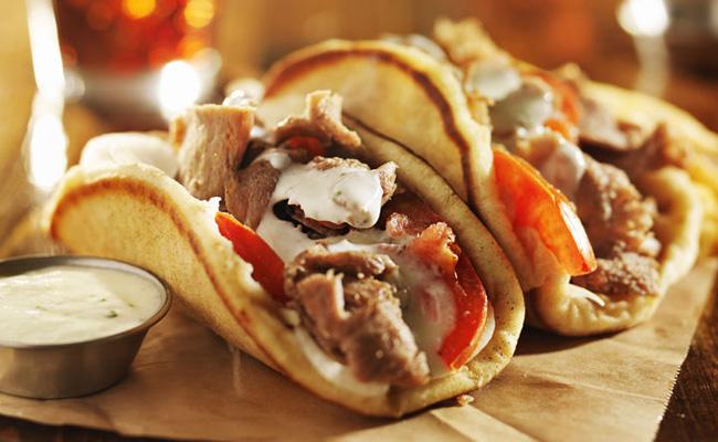 Gyro Burger Recette De Sandwich Lagneau Et La Sauce
