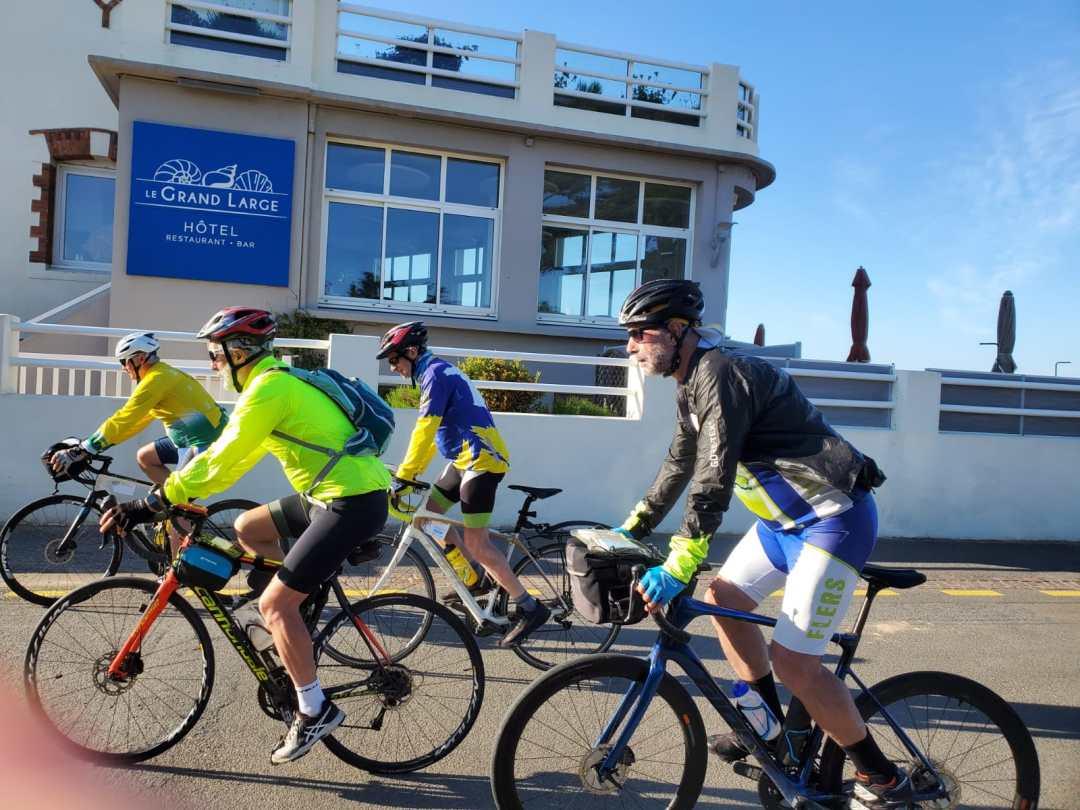 Départ du dernier jour - Cyclo – Relais Hendaye Nantes 844 km et 4 000 m de dénivelé en juin 2021