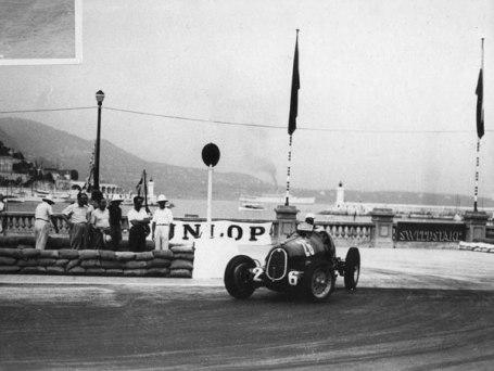 Sobre el Alfa 12 cilindros en Monaco.