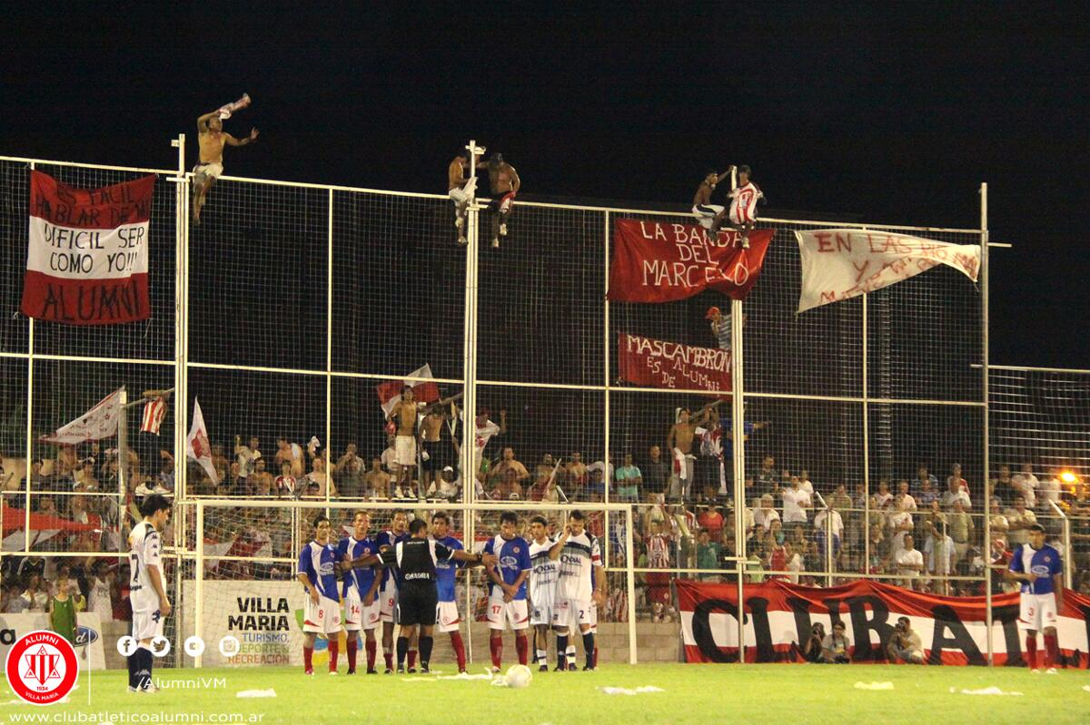 Scalzo Atajando el penal decisivo Vs Racing de Córdoba