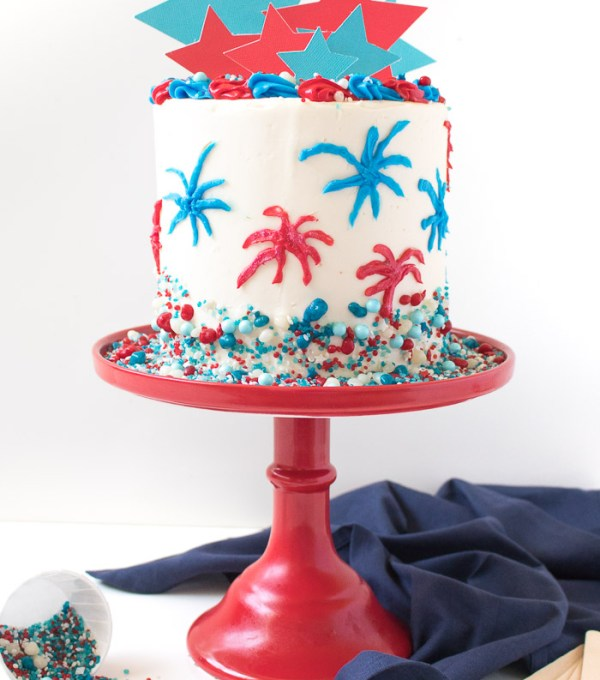 Red, White + Blue Firework Cake for 4th of July!   Club Crafted